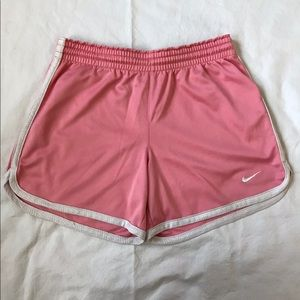 Nike Kids shorts size L for sale!